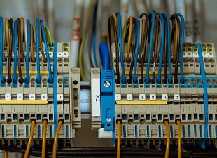 Stef Élec réalise dépannage express de votre système électrique à Breuillet